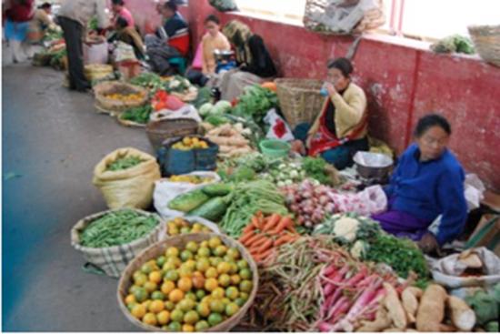 vegetable-sellers-at-lal-bazaar
